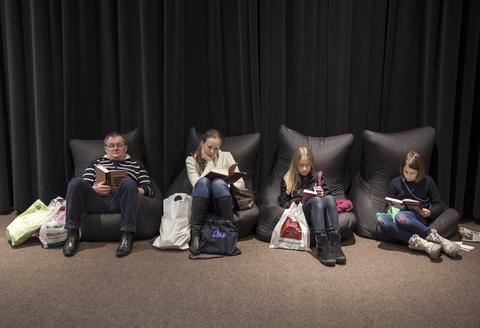 People reading